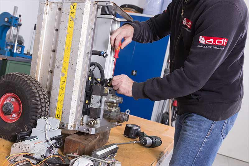 Reparatur eines Hydraulik-Aggregates