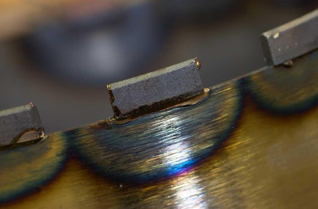 Diamantbohrkronen Fertigung - Diamantsegment neu gelötet